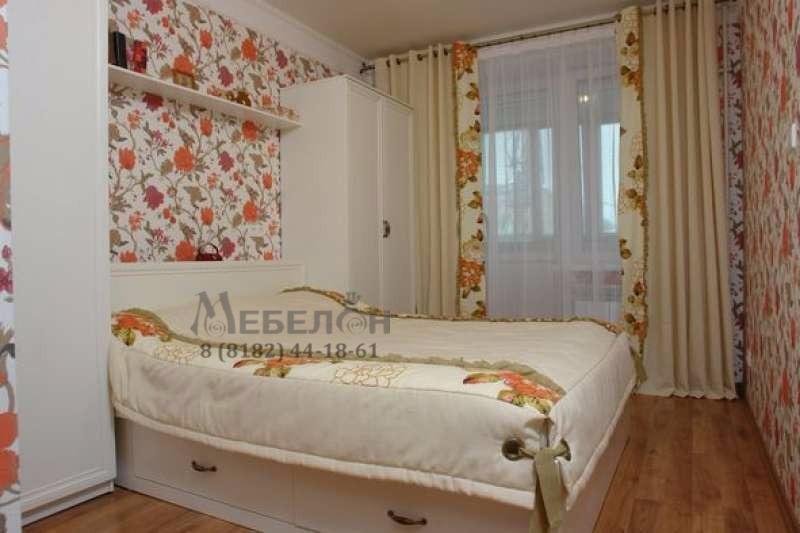 Спальня в цветочном стиле